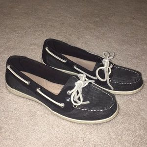 sperry black boat shoes